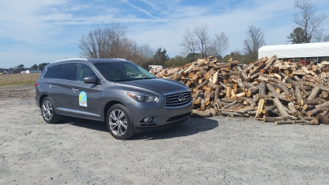 The QX60 sporting the Amelia or Bust sign at a lunch stop.