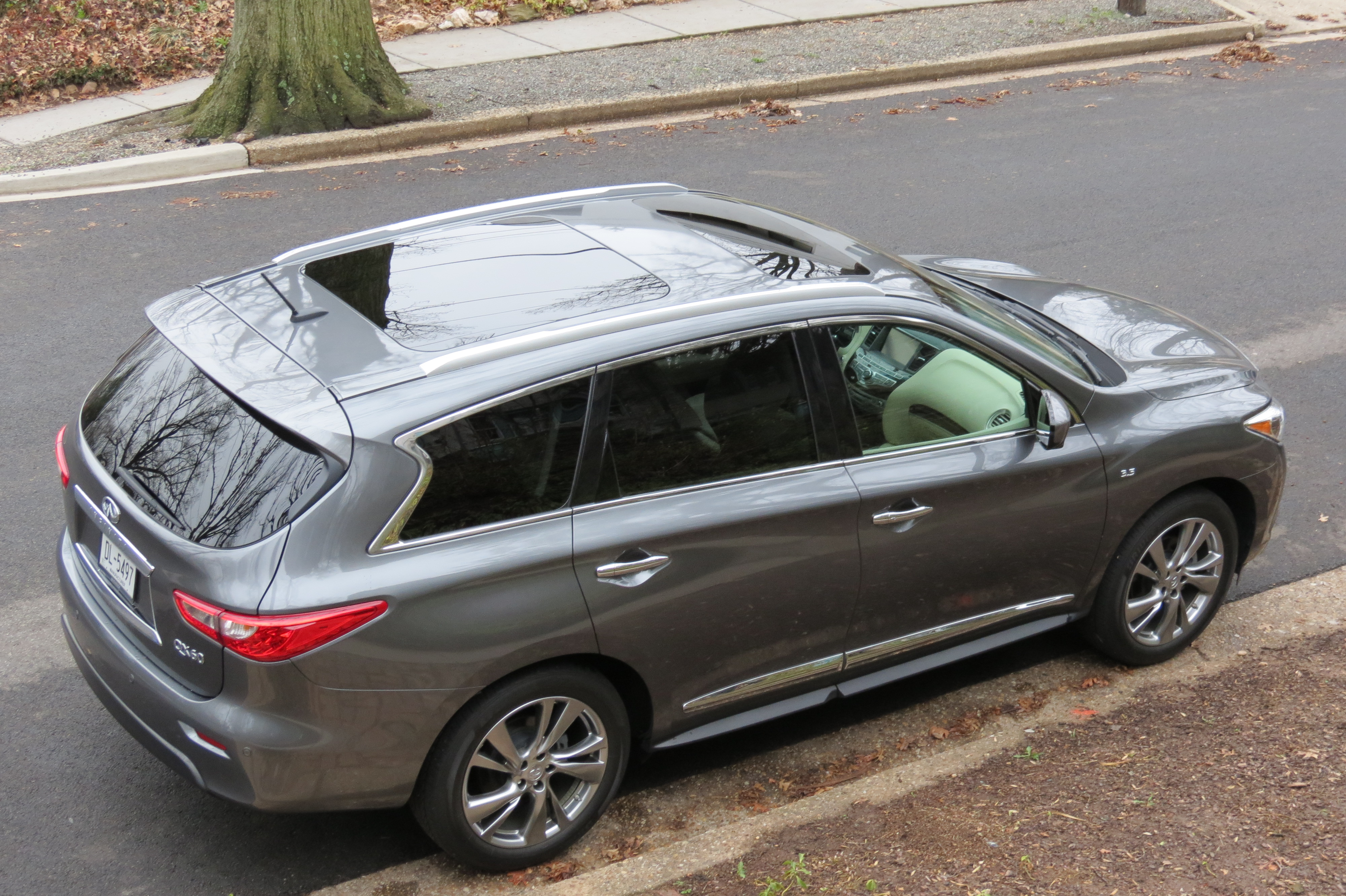 The QX60 features plenty of glass roof as well as interior space.