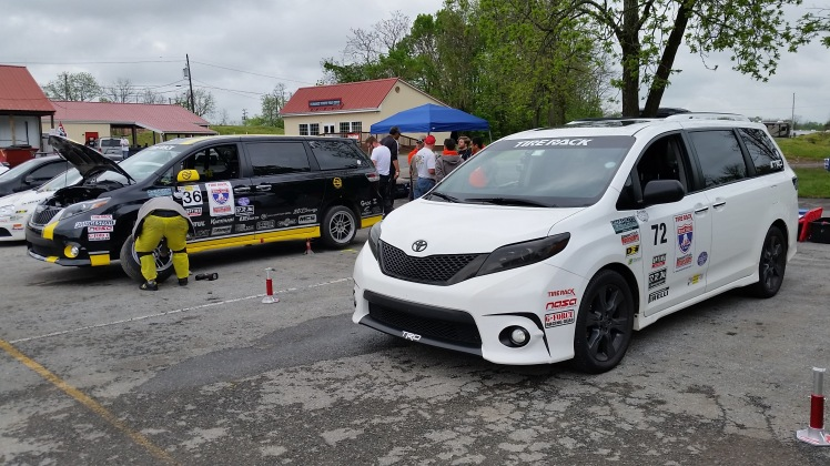 Toyota Sienna at One Lap America 2016 Summit Point Raceway. Front Sienna SE+, Rear Sienna R-Tuned.