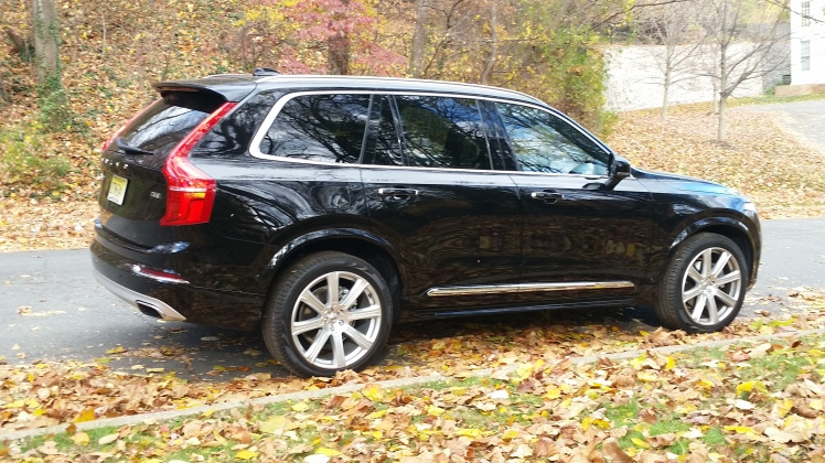 Volvo XC90 is everything a luxury full-size SUV needs to be, Safe, Fuel Efficient, and Fun to Drive
