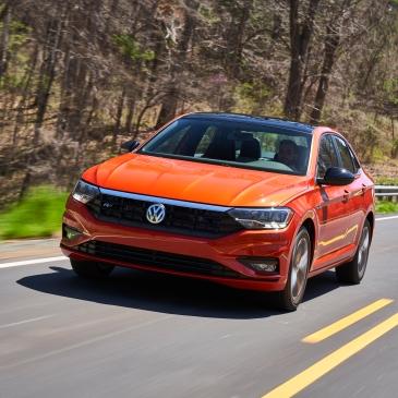 2019 VW Jetta R-Line