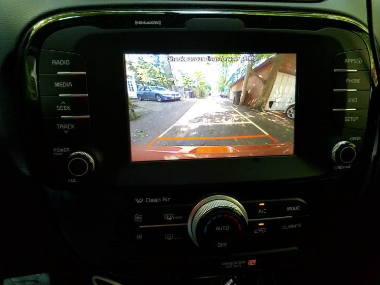 Kia Soul Backup displays on a 7-inch screen
