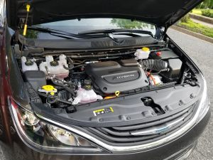 Chrysler Pacifica Hybrid has a 3.6L V-6 Pentastar engine using Atkinson Cycle technology for better fuel economy.