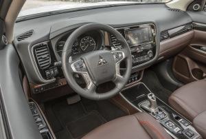 Mitsubishi Outlander PHEV Cockpit