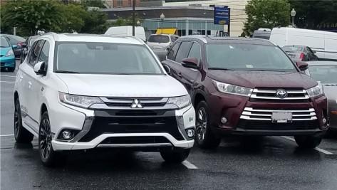 Mitsubishi Outlander and Toyota RAV4