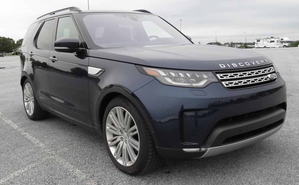 2018 Land Rover Discovery HSE Td6 in Loire Blue