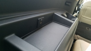 Ford Expedition USB outlets in rear seats