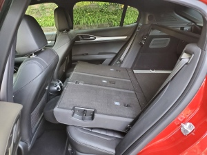 Alfa Romeo Stelvio Rear Seats Down