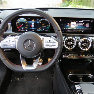 Mercedes Benz A220 Dash