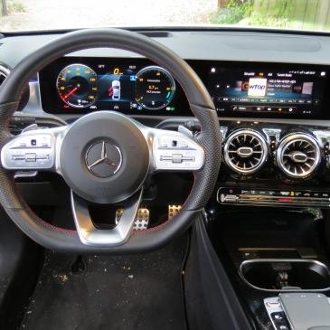 Mercedes Benz A220 Dash