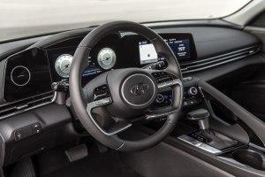 2021 Hyundai Elantra Dash