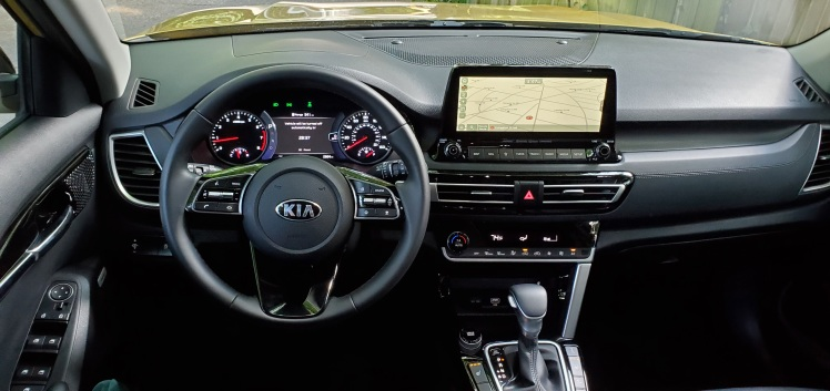 2021 Kia Seltos Dash and Console