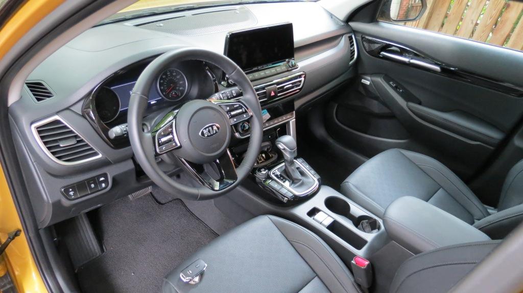 2021 Kia Seltos SX Turbo Front Seats