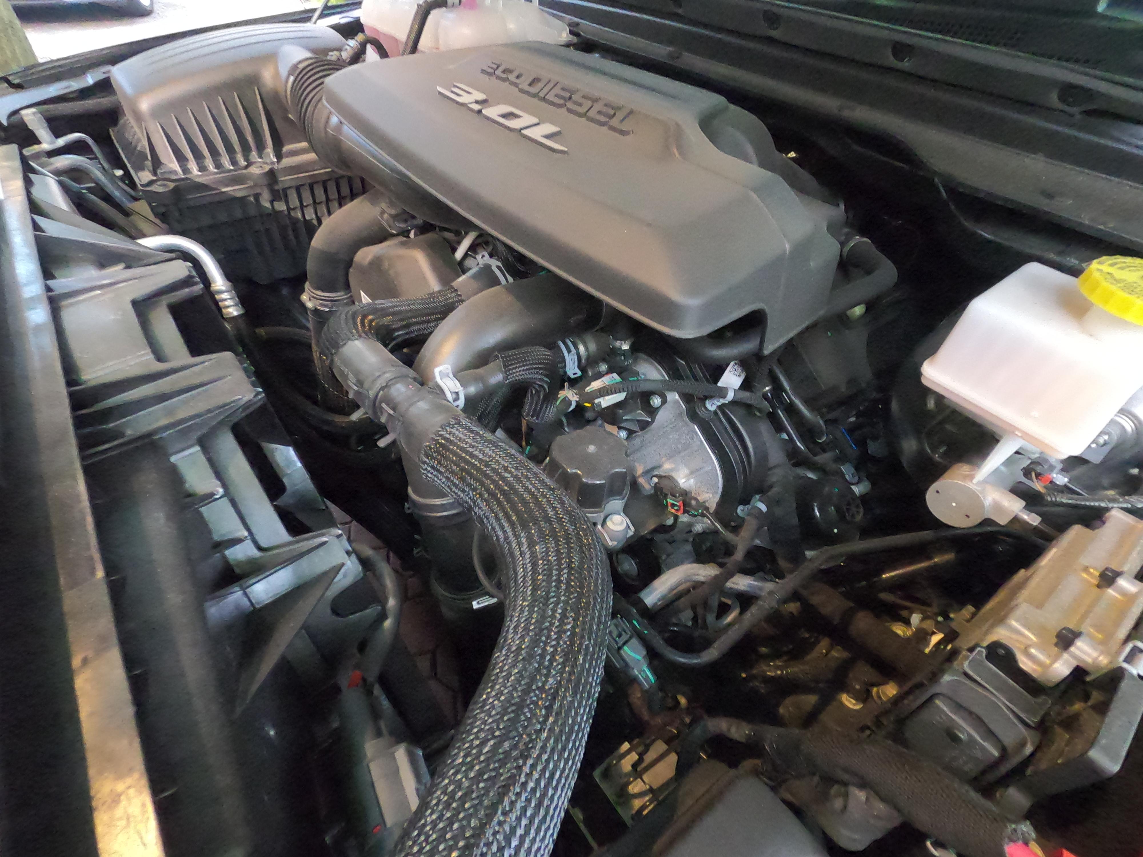 EcoDiesel 3-liter V 6 engine in Ram 1500