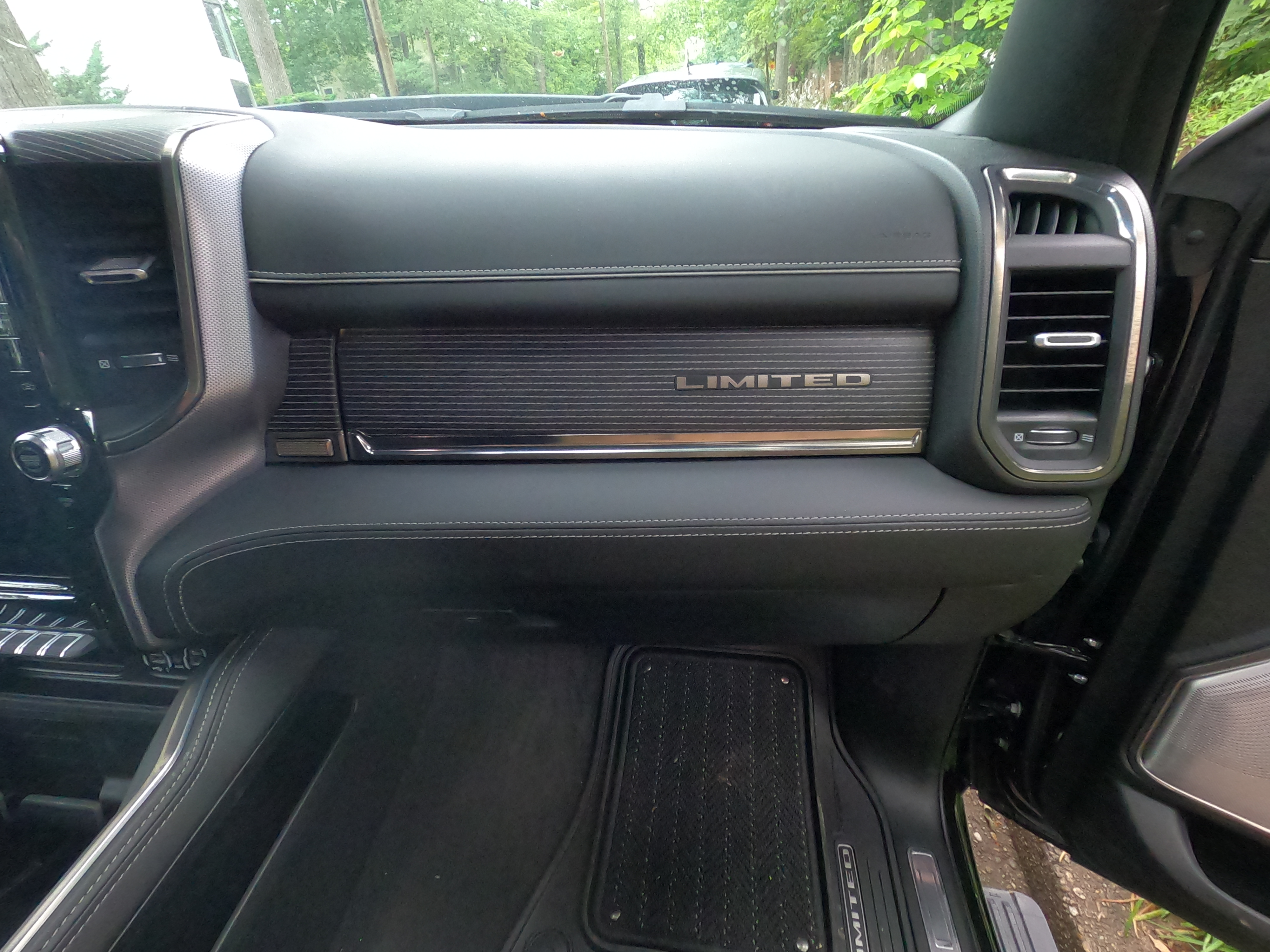 2020 Ram 1500 limited Right front Dash Pad