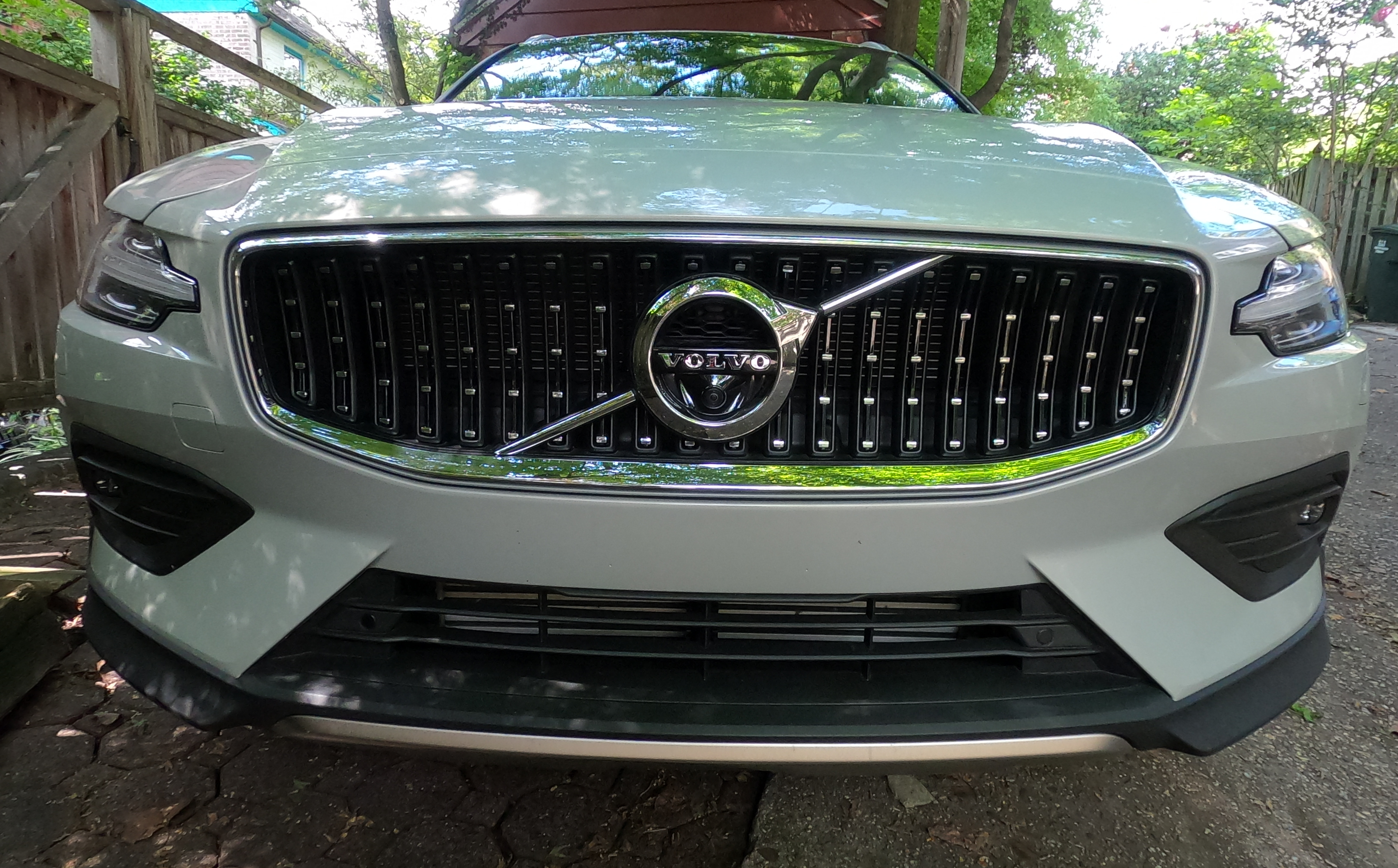 Grill and Thor's Hammer headlamps on the Volvo V60
