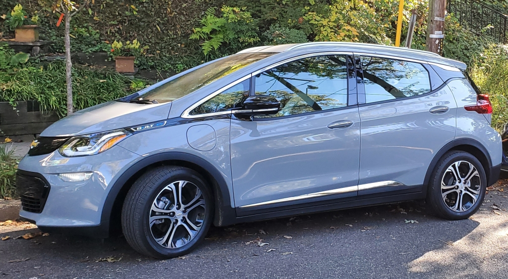 Chevrolet Bolt EV Left Front