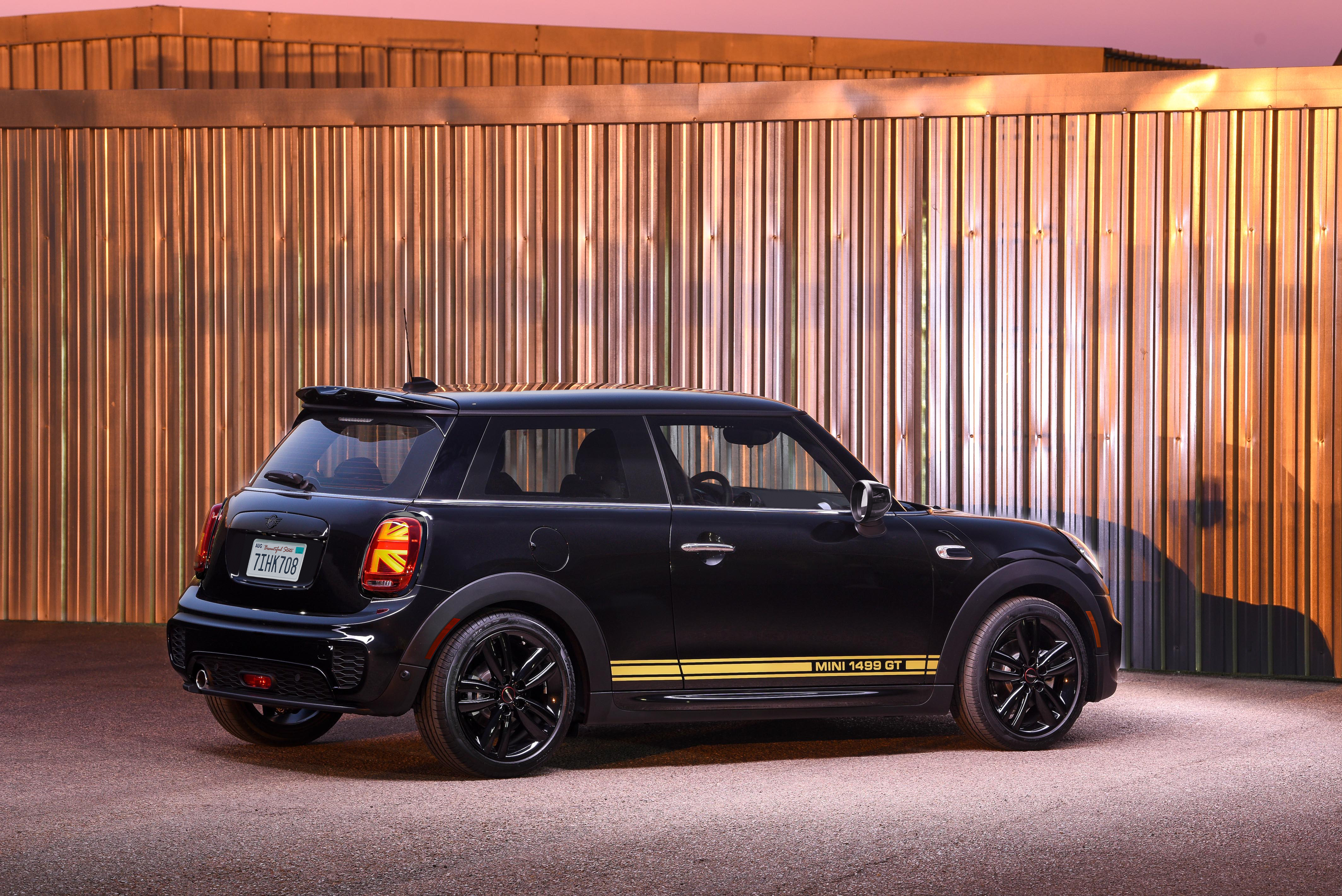 Mini 1499 GT with Piano Black trim