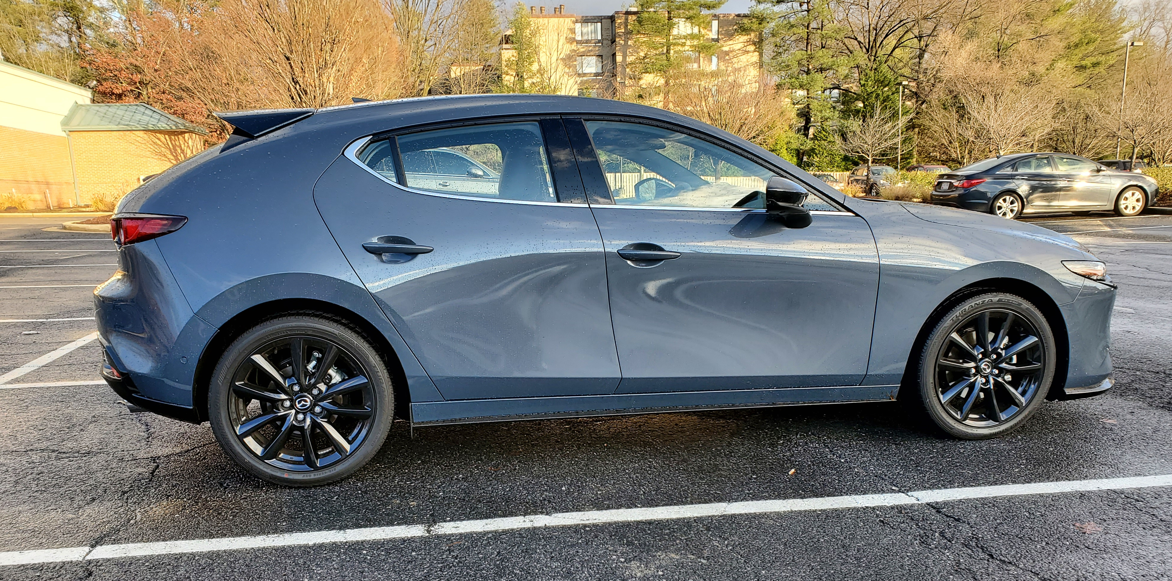 The Mazda3 hatch has an athletic design that rises from the grill to the spoiler and then drops down.