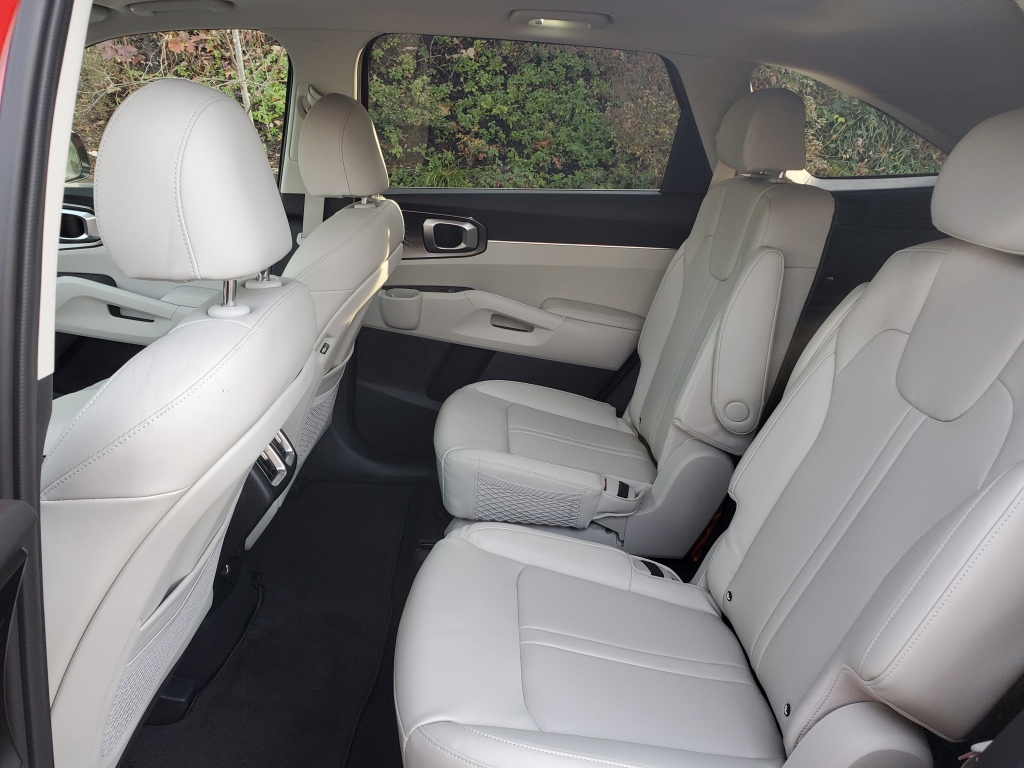 2021 Kia Sorento second-row captains chairs with fold-down armrests