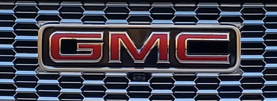The GMC Logo on the Grill of the 2021 GMC Yukon Denali