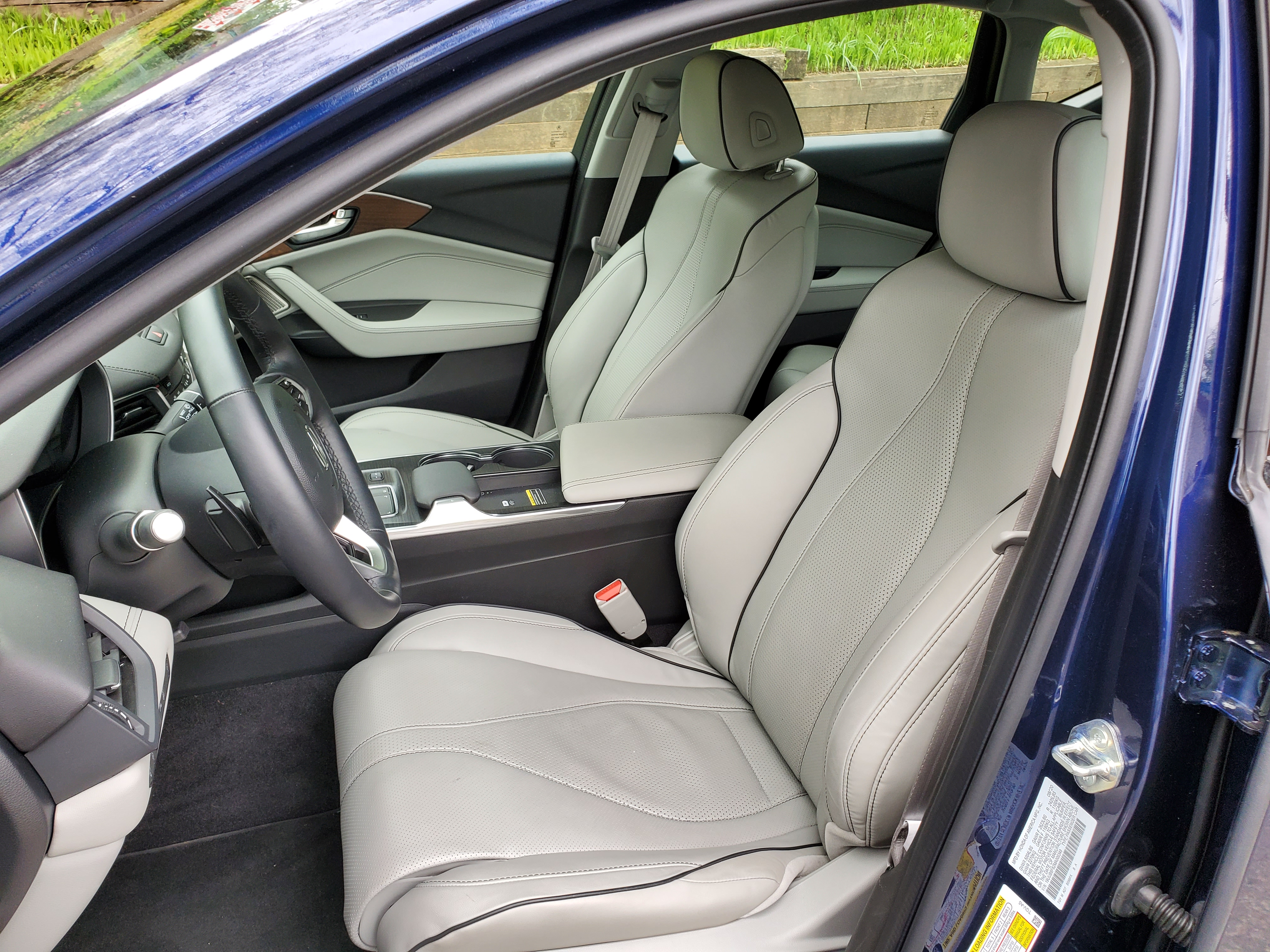 2021 Acura TLX front seating