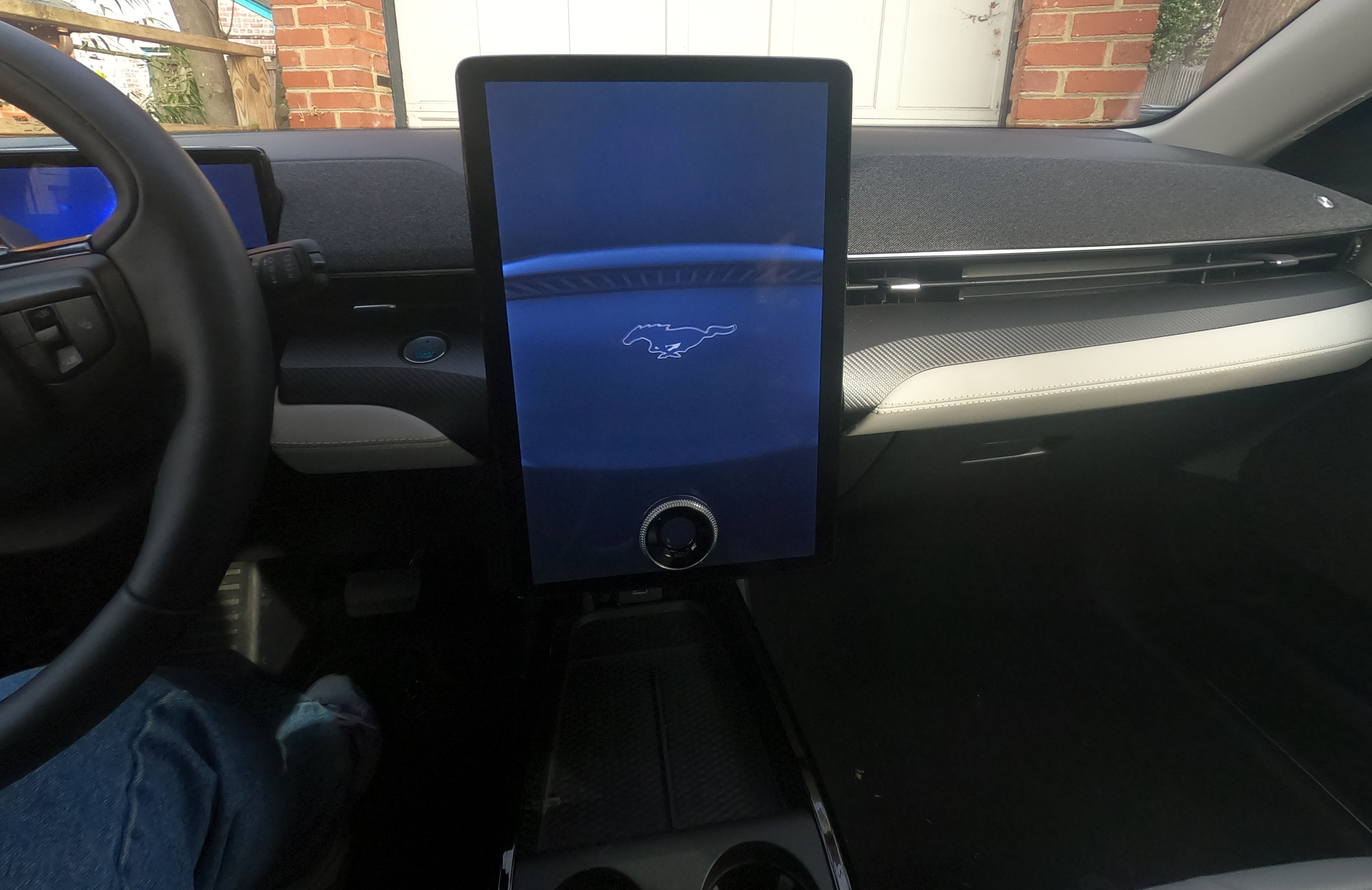 Center Screen on the Ford MACHE