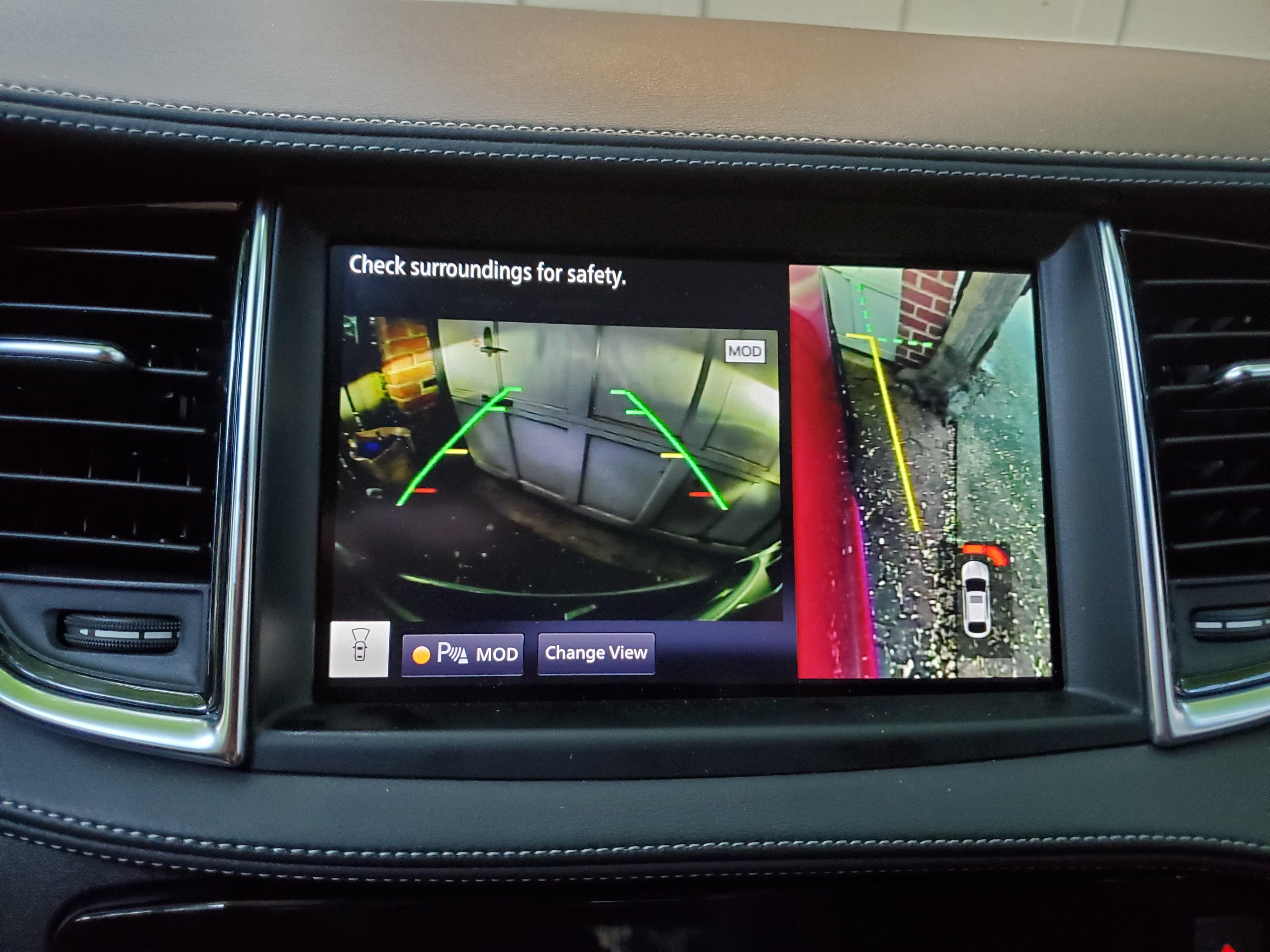 Infiniti Q55 rear view camera display