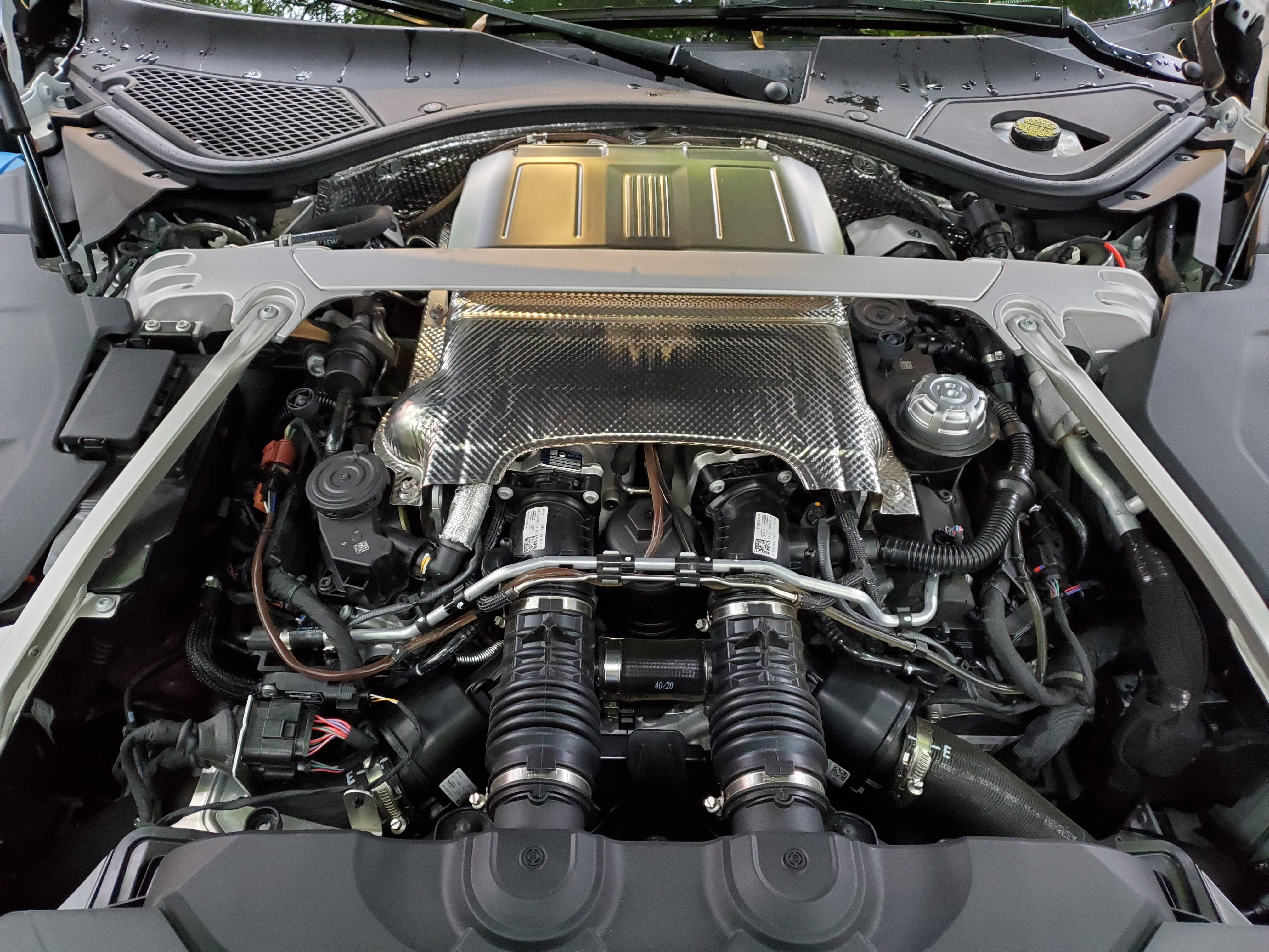 bentley GT V8 Engine without cover