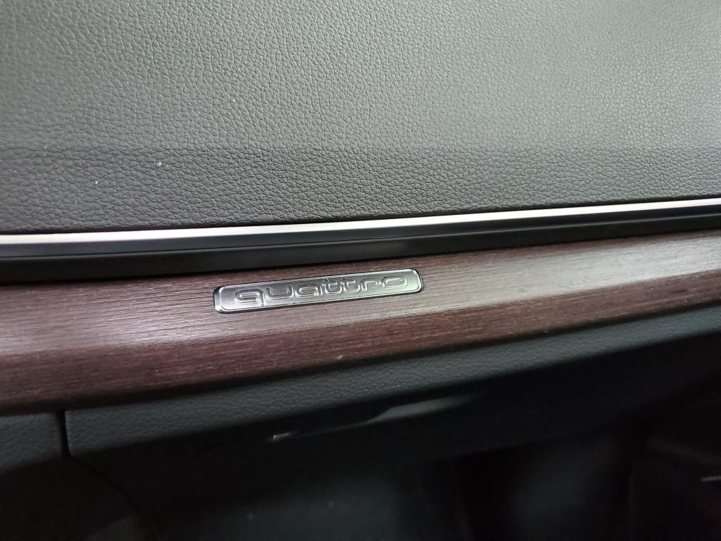 Audi Q5 Quattro Badge