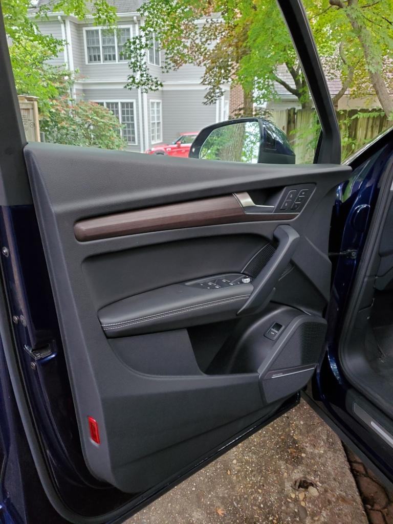 Audi Q5 left front door interior finish